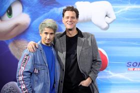 SONIC - THE HEDGEHOG: Jim Carrey und Julian Bam stürmen den blauen Teppich in Berlin